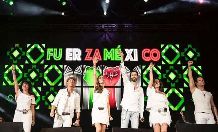 Timbiriche cantó varios temas ante la algarabía de los más de 200 mil asistentes