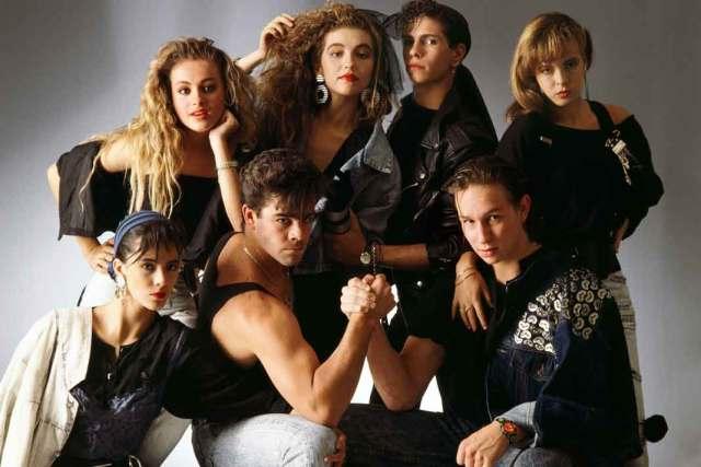 En 1988, cuando eran adolescentes y ha habían entrado Thalía, Eduardo, Eric y Edith