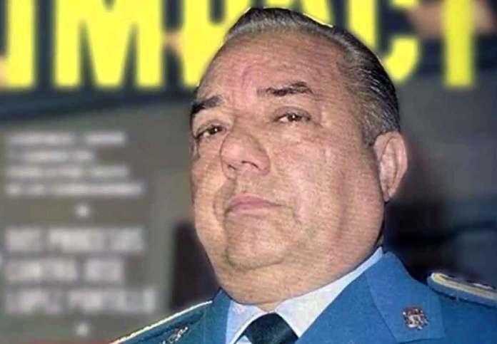"""El General Arturo """"El Negro"""" Durazo fue jefe de la policía en México y uno de los funcionarios más corruptos del país"""