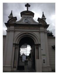 Entrada al Cementerio Central