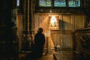 pray, church, kneeling-1209235.jpg