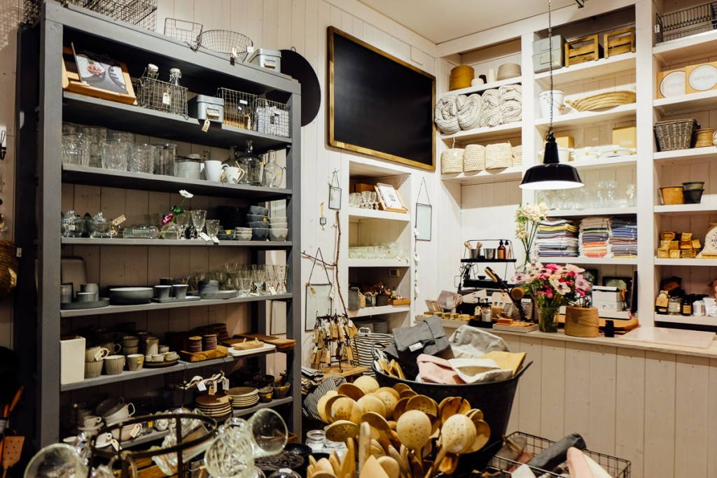 kitchen goods store movable island ikea where to shop for home furniture and accessories in lela casa rome