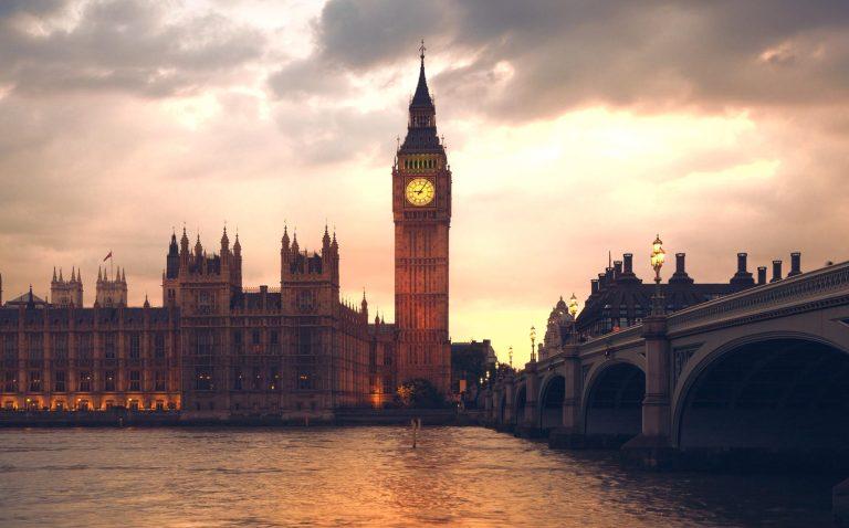 ما هي الدول التي تشكل المملكة المتحدة..جميع الدول في ...