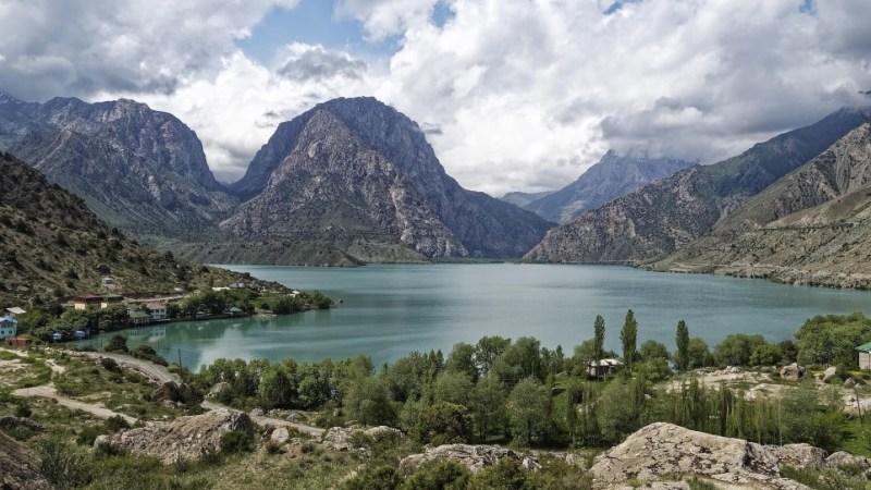 في أي قارة تقع طاجيكستان