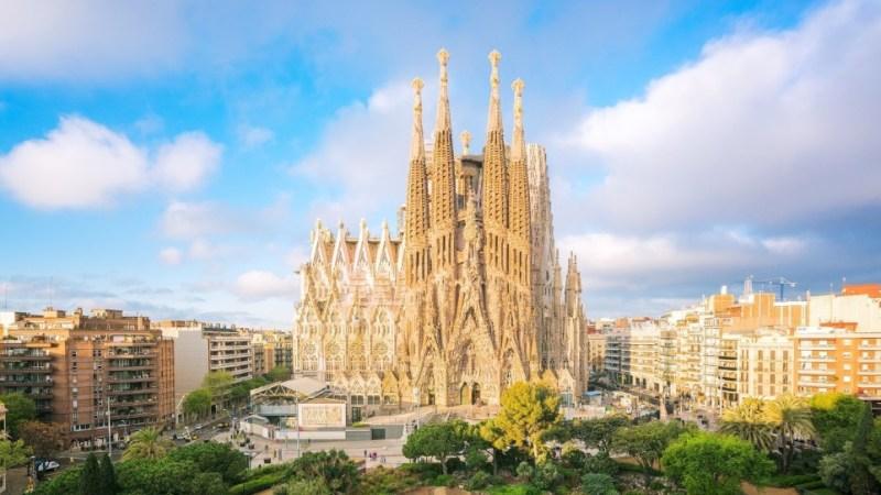 أكثر 10 معالم سياحية جذبا للسياح في برشلونة