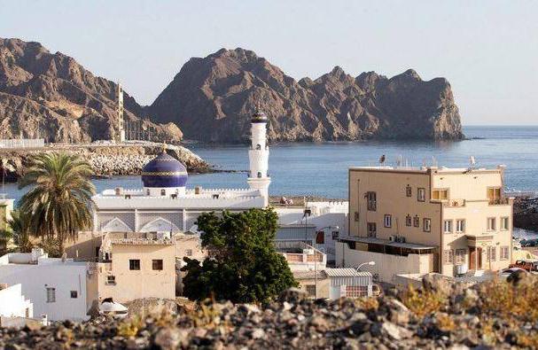 الدول التي تشارك حدودها مع سلطنة عمان