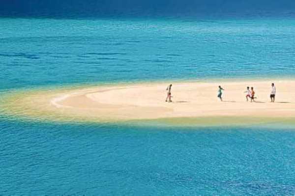 اكبر 10 جزر في العالم العربي من حيث السكان