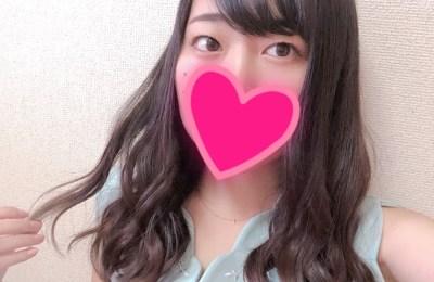 新橋キャバクラ【an_an(アンアン)】100%現役女子大生ラウンジ 巻き髪が上手くいったあかねちゃん