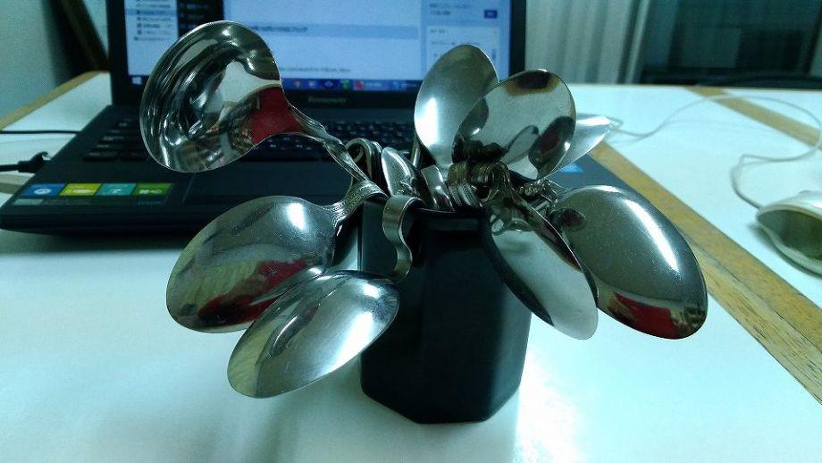 Spoon bending|スプーン曲げ