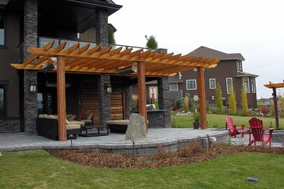 deck-pergola-backyard-design