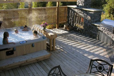 decks-premium-deck-hot-tub-010