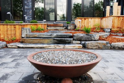 outdoor-fireplace-courtyard-001