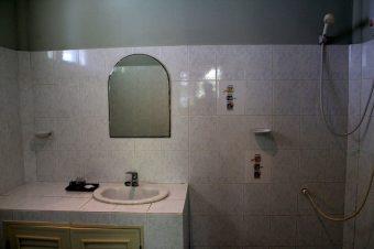 Bungalow-Bathroom-Koh-Phangan