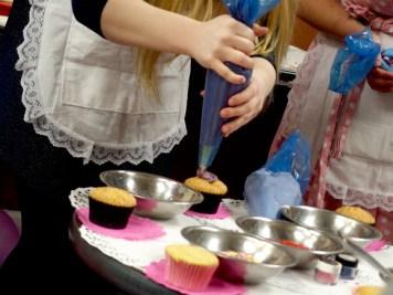 Cupcake Decorating Class, Snuggle Muffin