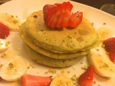 Pistachio Pancake with Strawberries & Bananas