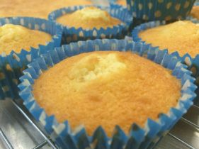 Currys in the Kitchen- Cupcakes just out of the oven