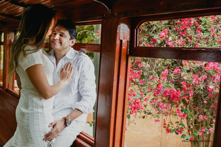 wedding photos in train