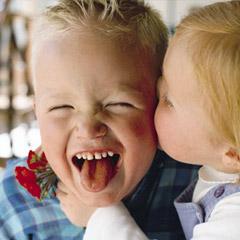 kids-kiss-photo-240x240-g-rbk1_88