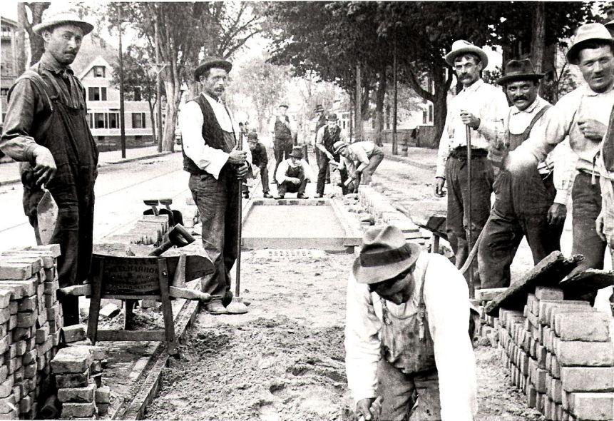 Verso il 1889.