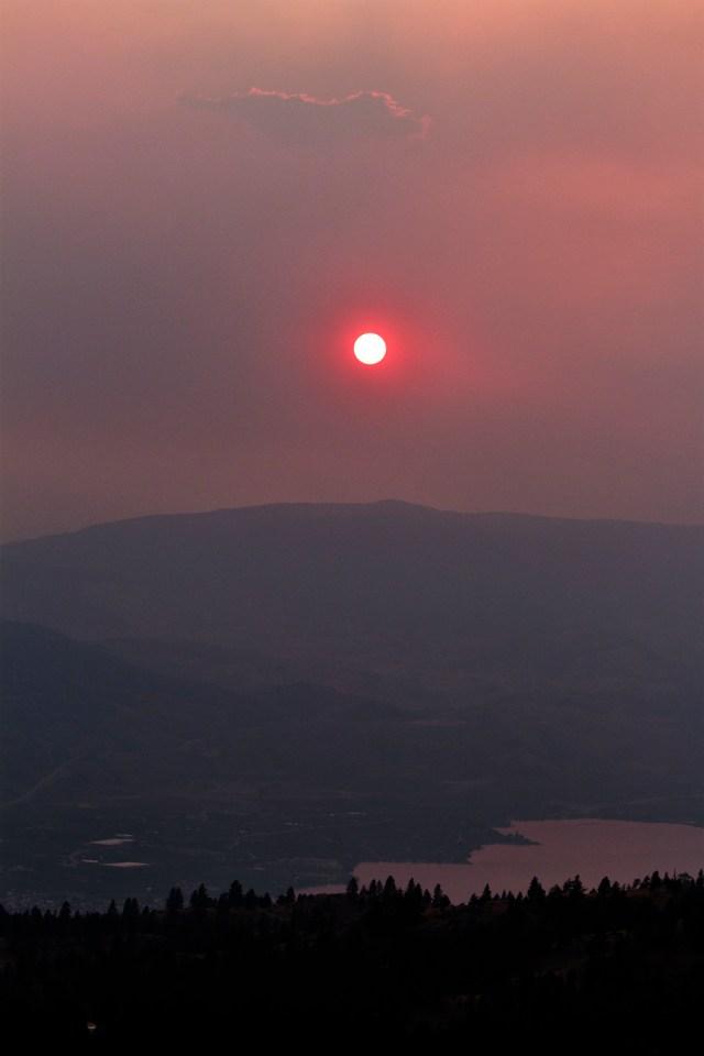 smokey_sunset_over_osoyoos