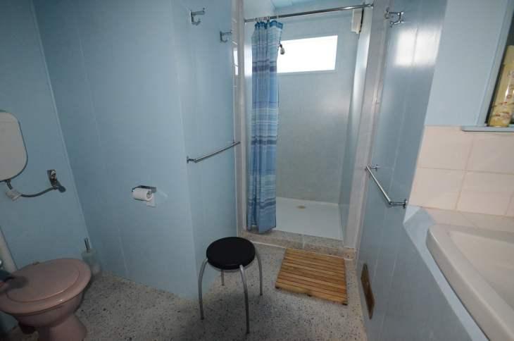 ANARE Ski Lodge - East Side Bathroom 1