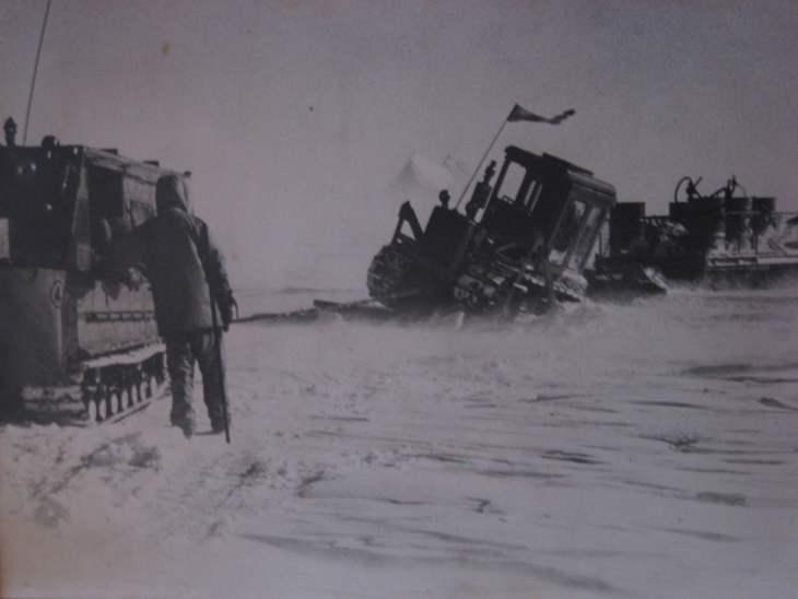 Inland Traverse - Tractor Train crevasse rescue.