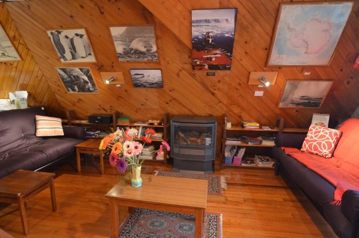 ANARE Ski Lodge - Lounge area and gas fire.