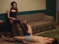 スタイル抜群な男の娘がアナルセックスとファックを繰り返すアダルトビデオ