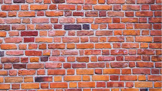 Zidurile pe care le ridicăm în jurul nostru