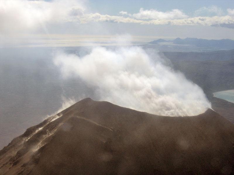 Извержение вулкана Карымский