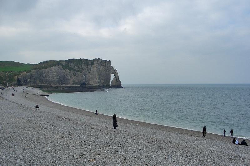 Пляж и скала Falaise d'Aval