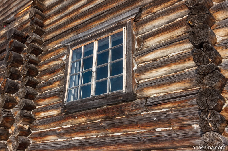 Окно в доме И.И.Кочкина, Семёнково