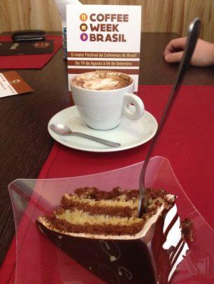 Uma das melhores combinações da humanindade: café com doce <3