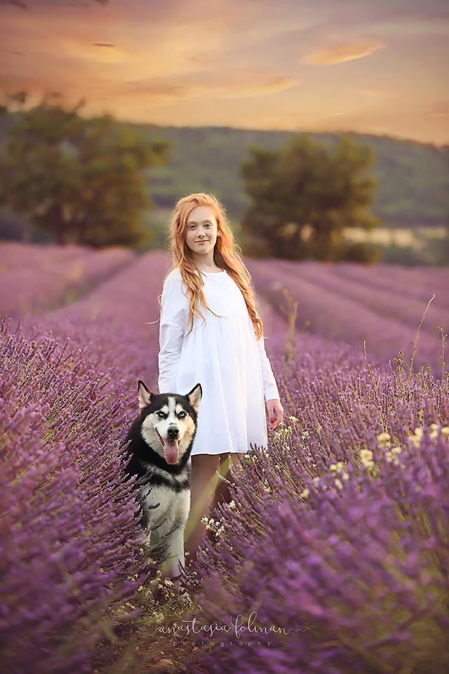 Kinderfotos in Lavendel  Frankreich  Anastasia Folman Fotograf in Paderborn und Bielefeld