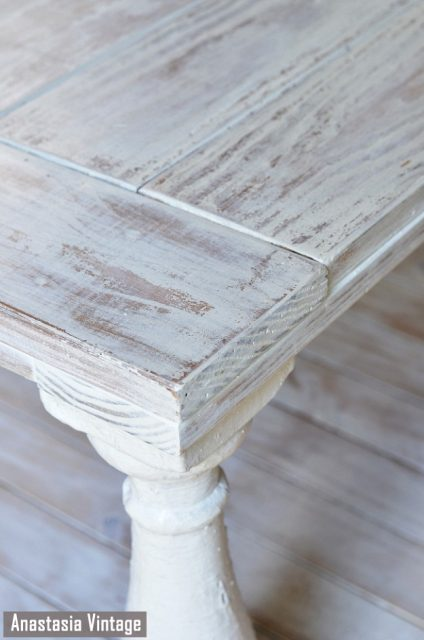 Distressed-coffee-table-painted-with-MMS-milk-paint-in-Grain-Sack-and-distressed-with-a-wet-rag