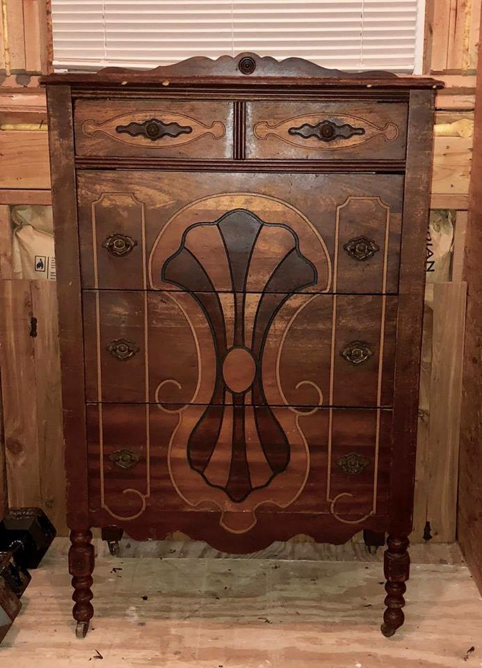 Old Pieces Of Furniture Are Always Very Attractive When We Talk About  Quality, Longevity, And Durability. A Few Days Ago, I Found A Beautiful  Piece On ...