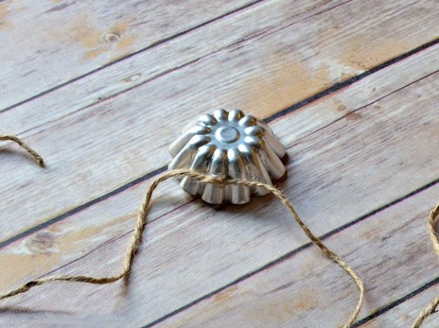 Tart-tin-garland-Fall-decoration