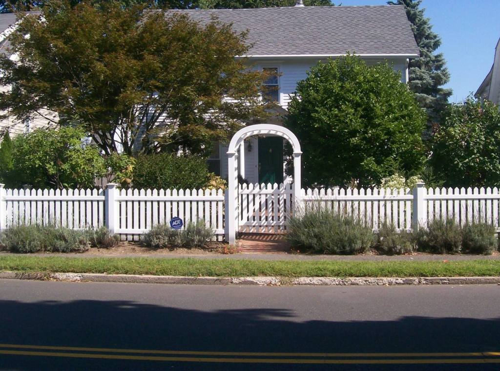 Picket Fences 14