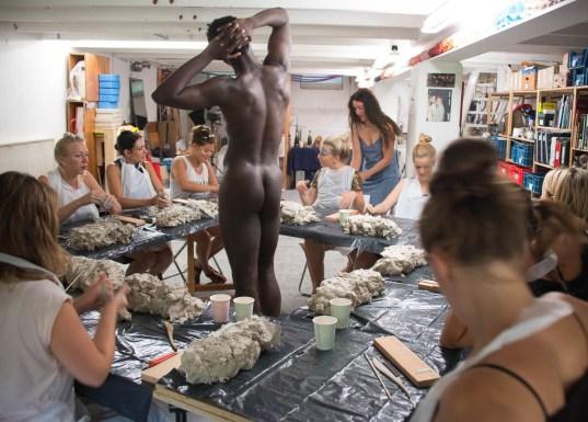 workshop model boetseren met mannelijk naaktmodel