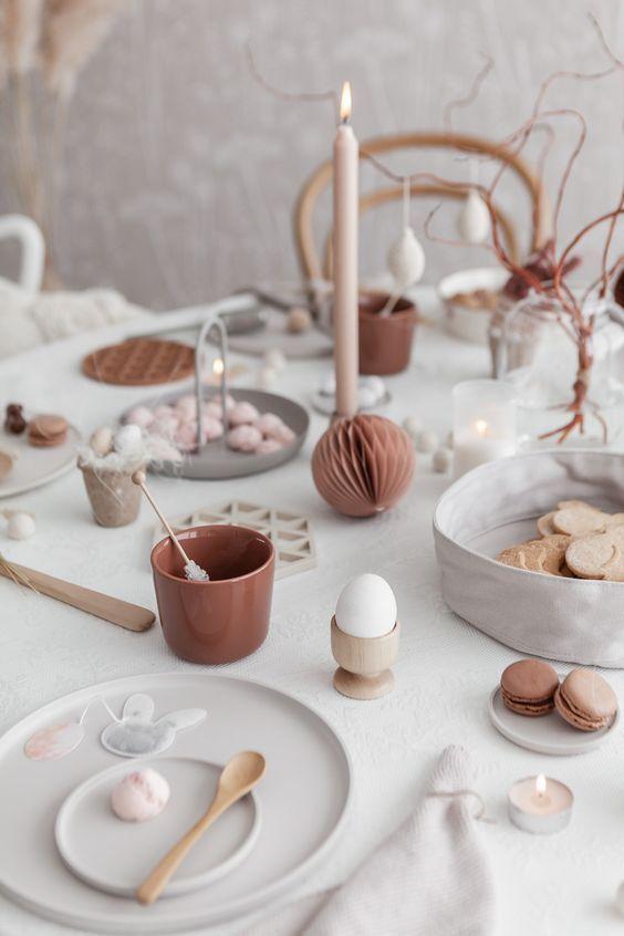 Decoración de mesa para Pascua, en tonos tierra, neutros en tendencia 2020, de estilo nórdico @utrillanais