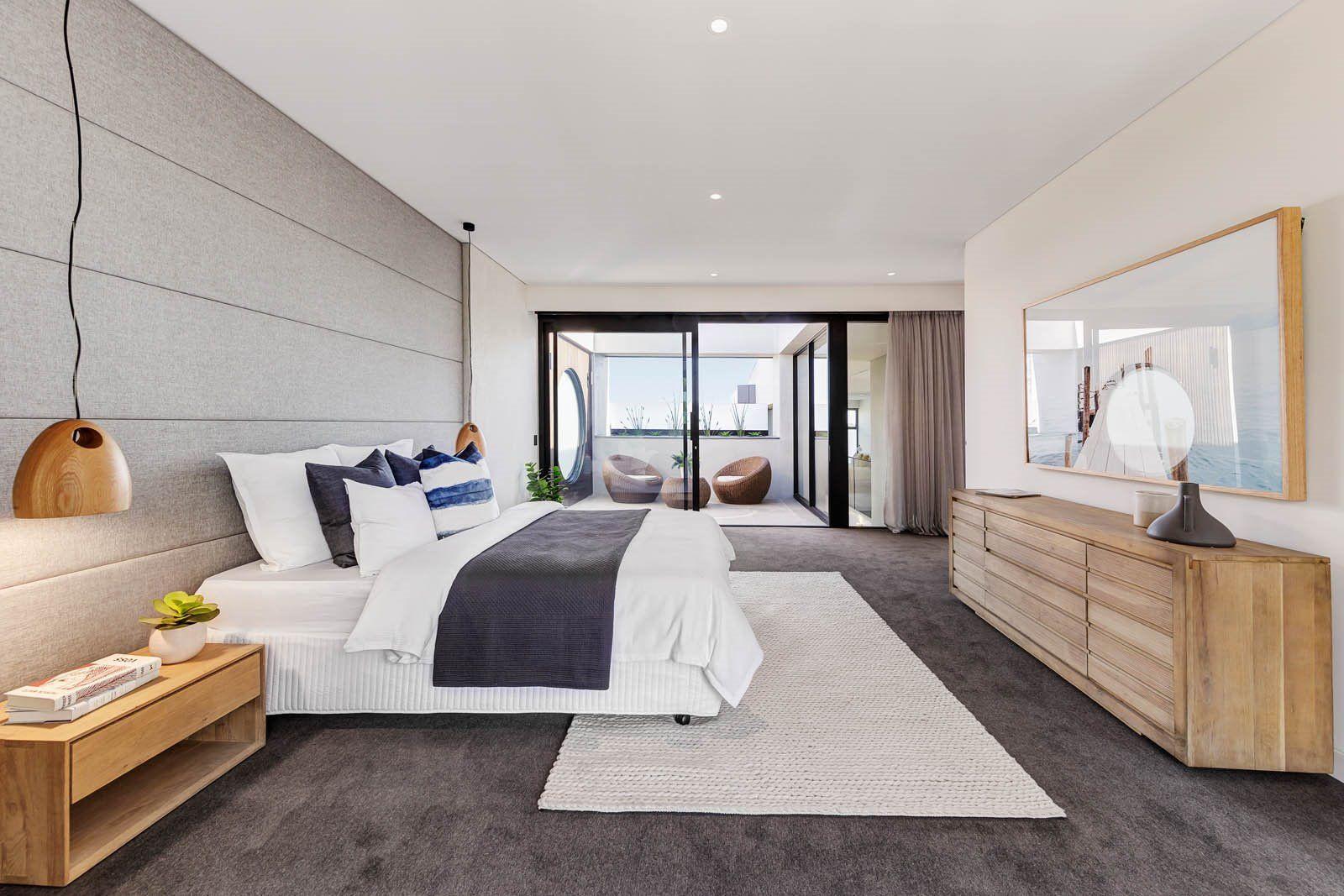 Decoración de interiores acogedora, cálida y sofisticada de habitación principal