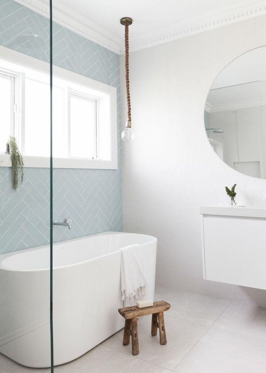 Zona de baño de estilo nórdico minimalista