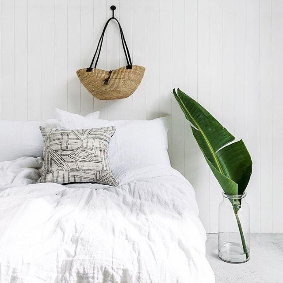 Tejidos de lino y algodón en color blanco para decorar en verano tu casa