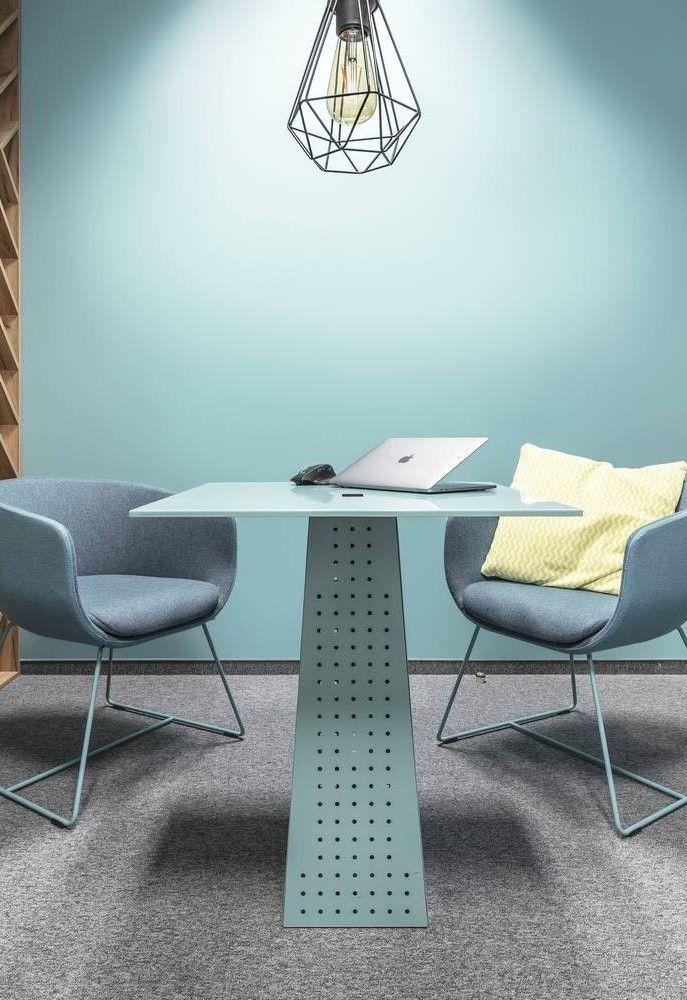 Zona de reuniones individualizada en oficinas de Polinia