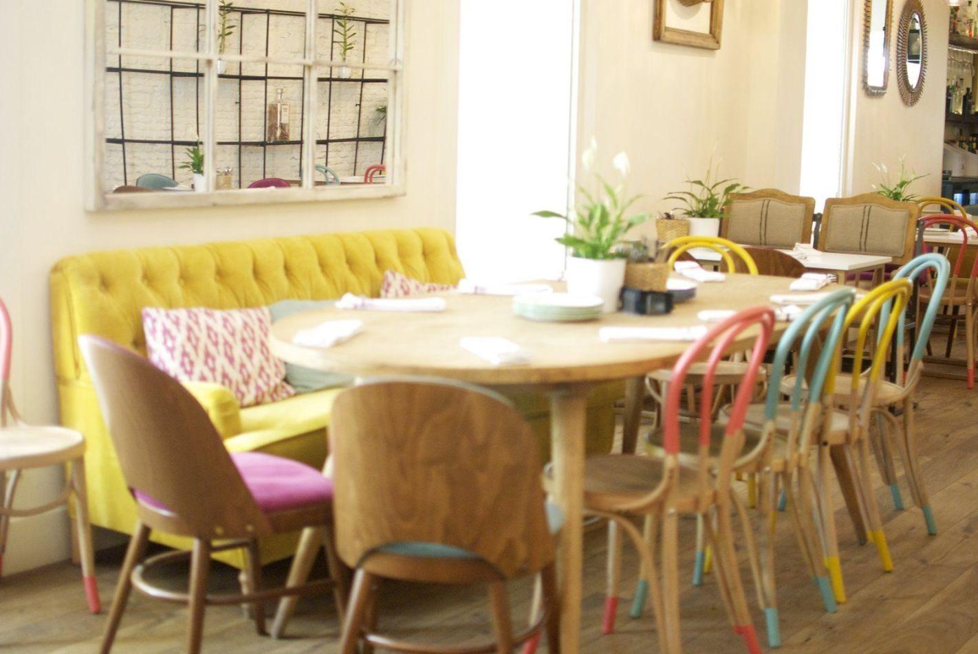 Diseño y decoración de interiores para Resto Bar el Columpio en Madrid de estilo rústico nórdico e industrial