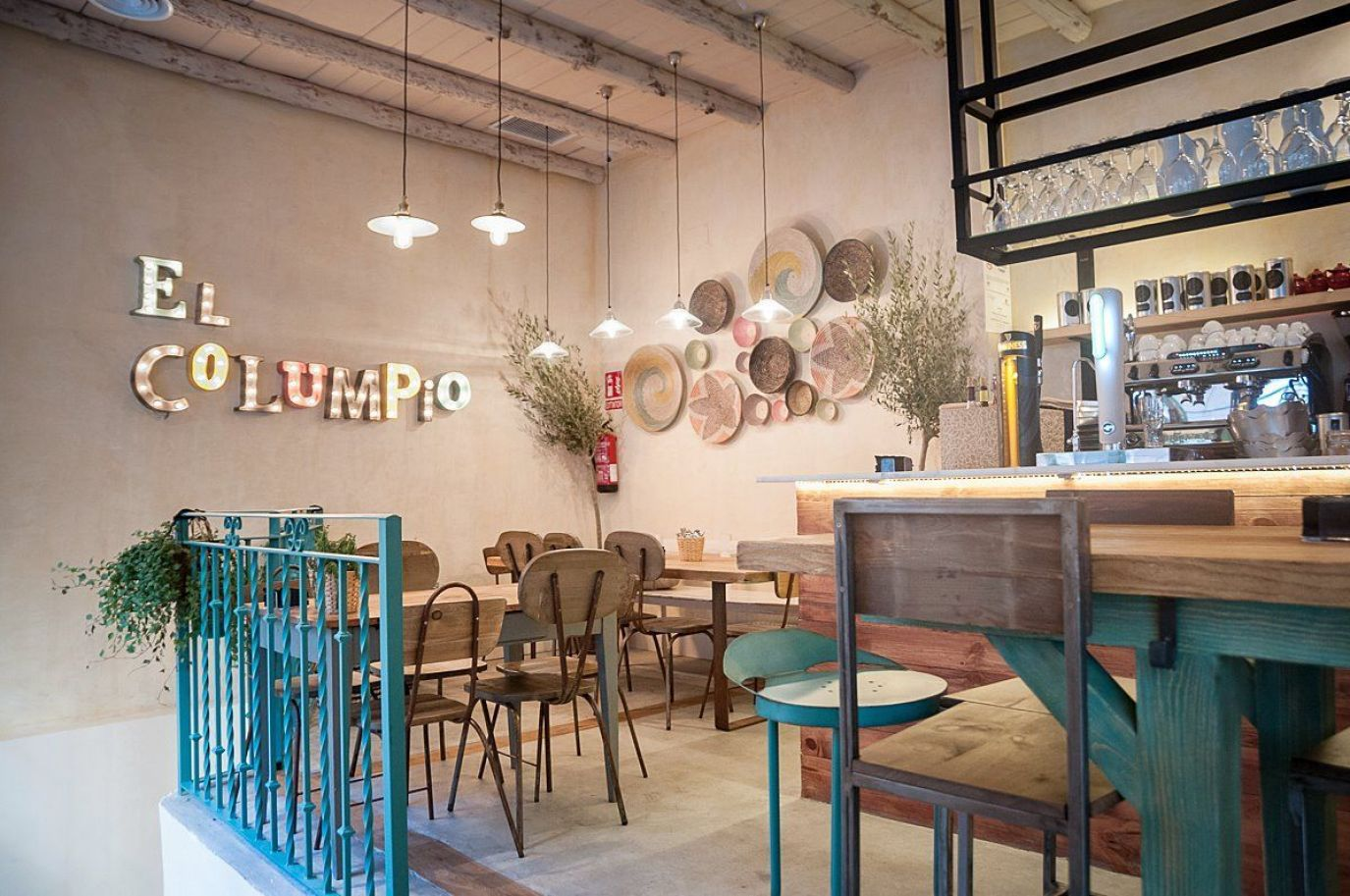 Resto Bar el columpio en Madrid de estilo vintage nórdico y rústico