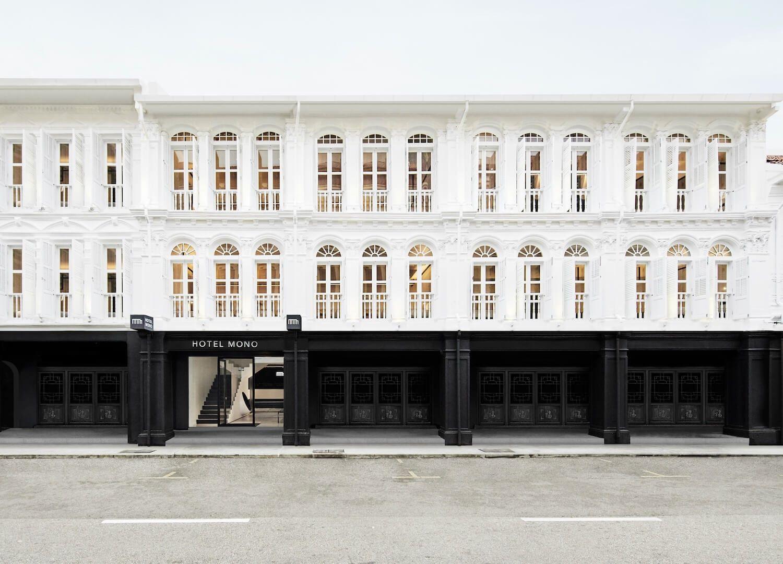 Fachada monocroma de hotel Mono en Singapur @Utrillanais