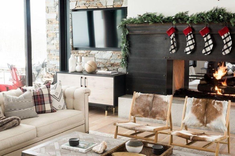 Decoración de Navidad de tonos neutros para una casa de montaña de estilo farmhouse moderno y toques mid century @Utrillanais