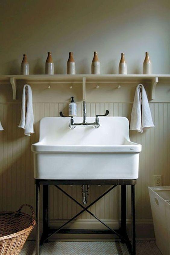 Baño de estilo farmhouse o shaker