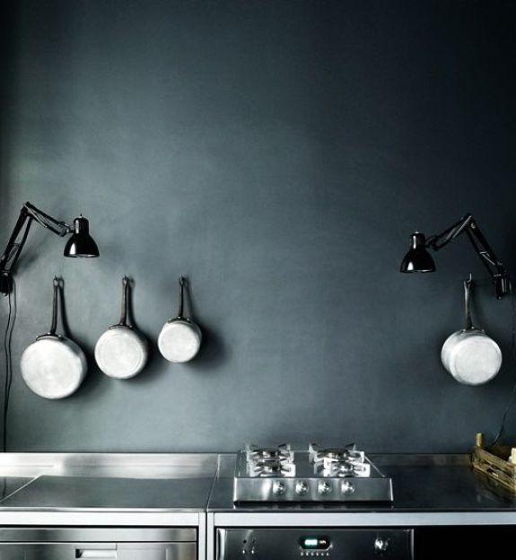 Iluminación de una habitación oscura, fotografía de Tommaso Sartori